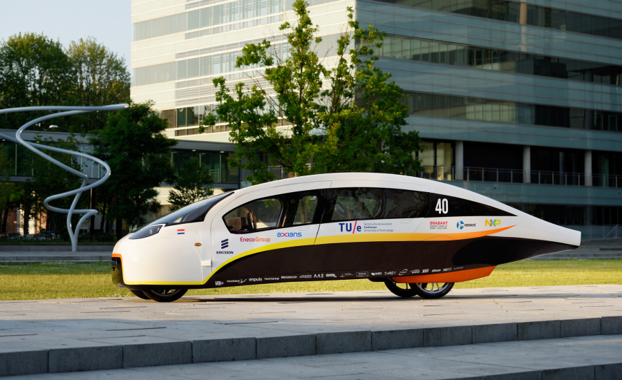 Solar car with paint by AkzoNobel